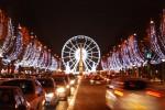 Đại lộ Champ Elysées rực sáng về đêm