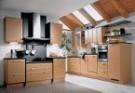 Giá tủ bếp làm bằng gỗ tự nhiên hoặc gỗ công nghiệp