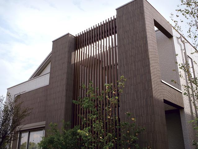 Biệt thự hiện đại ốp gạch Inax