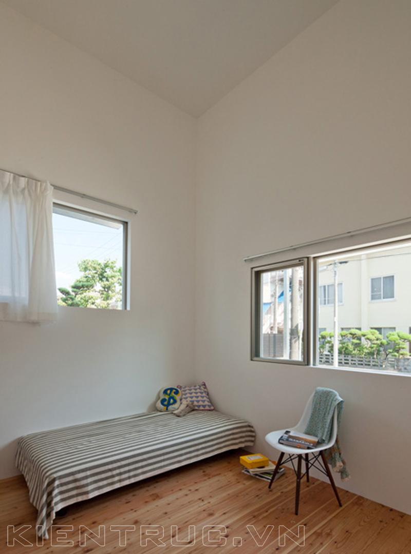 Phòng ngủ nhỏ nhưng vẫn đầy đủ tiện nghi