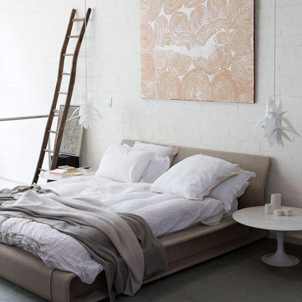Sơn trắng tường phòng ngủ 1