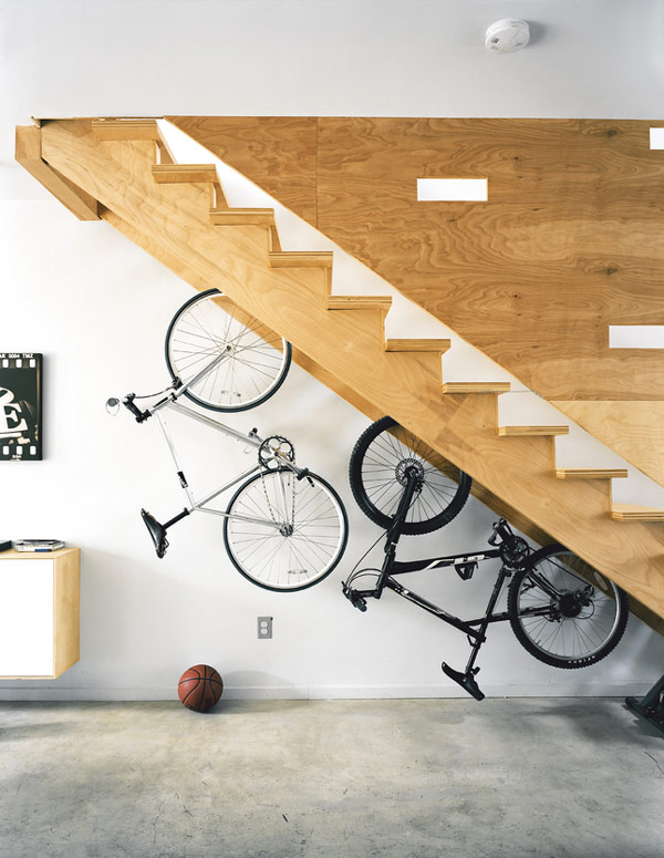 Tận dụng không gian dưới gầm cầu thang
