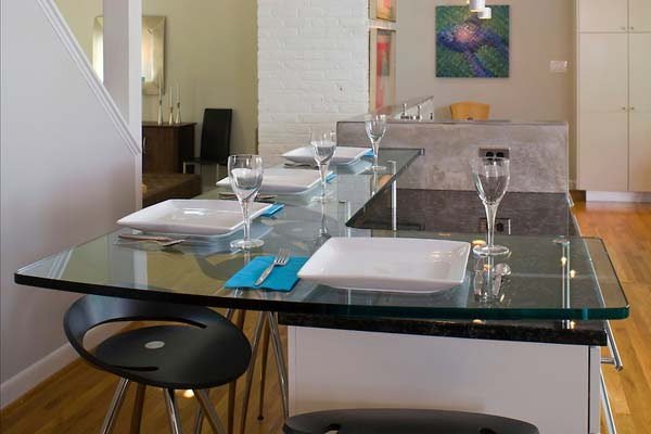 Mẫu bàn kính nhà bếp hiện đại