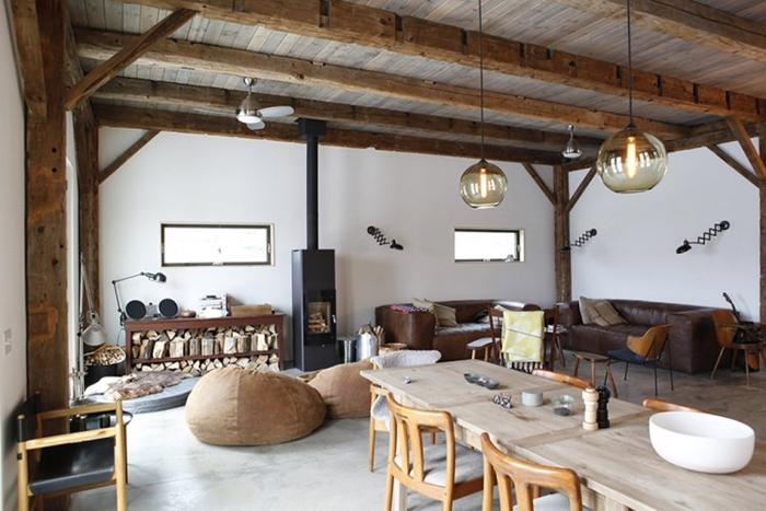 Ốp gỗ lên trần cho nhà đẹp và sang trọng