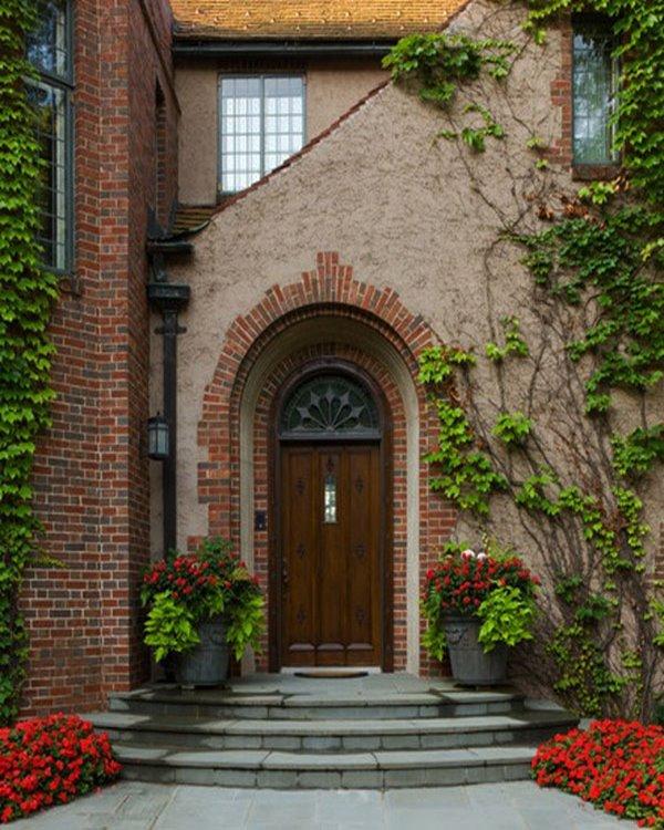 Wedo thiết kế cửa ra vào và không gian ngoại thất trước cửa nhà đẹp, sang trọng