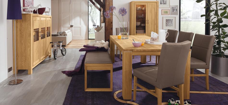Wedo thiết kế nội thất phòng ăn tinh tế và ấm áp với gỗ tự nhiên
