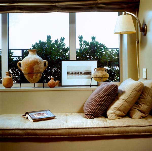 Wedo thiết kế góc thư giãn đẹp bên khung cửa sổ