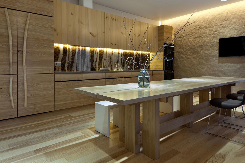 Wedo thiết kế nội thất nhà bếp và phòng ăn đẹp, sang trọng với gỗ sồi tự nhiên