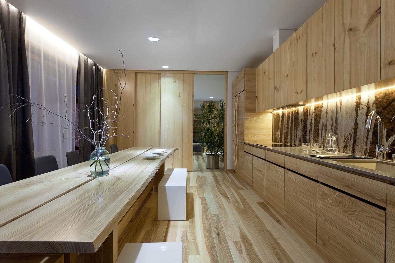 Wedo thiết kế nội thất nhà bếp và phòng ăn đẹp với gỗ sồi tự nhiên