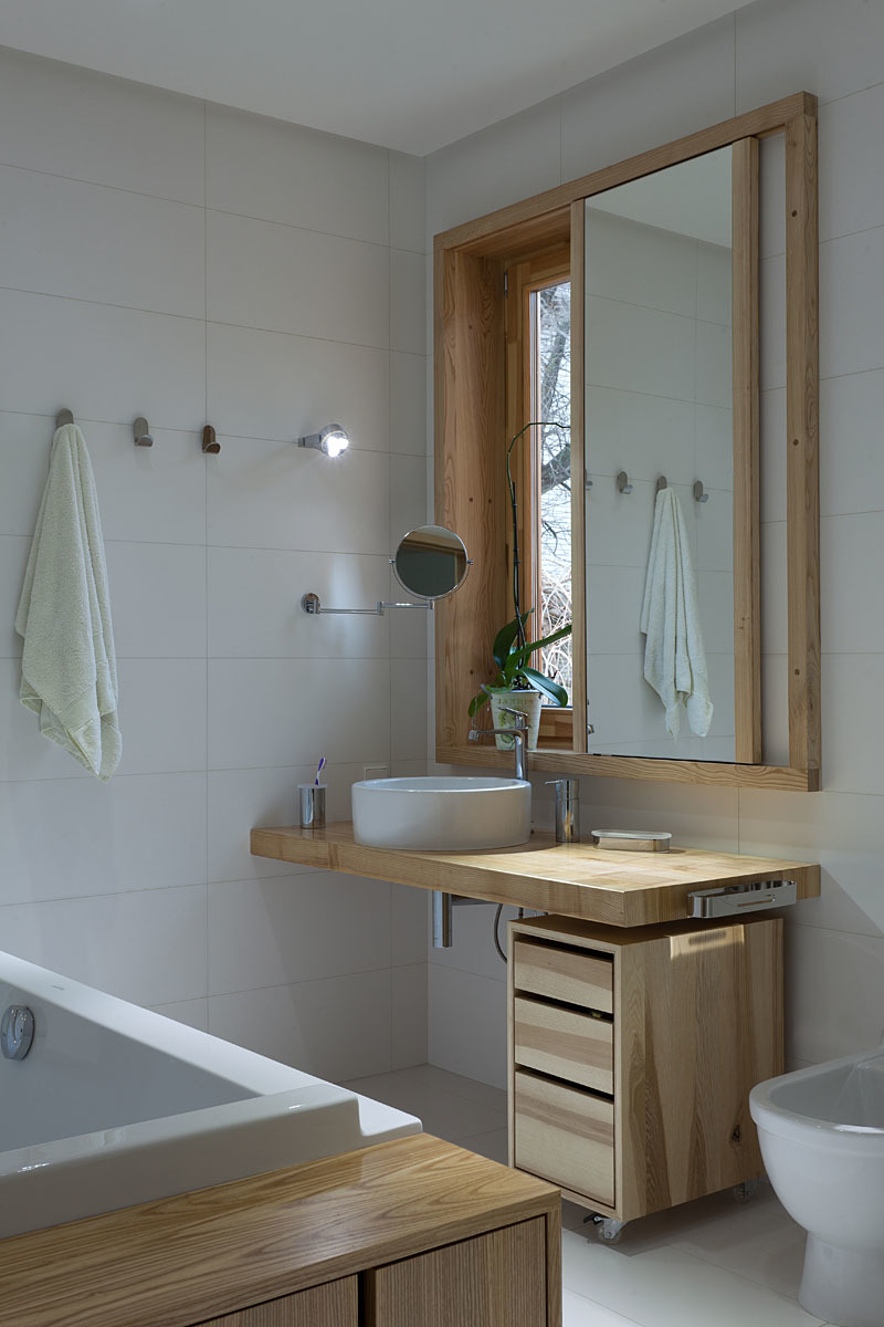 Wedo thiết kế nội thất phòng tắm đẹp và sang trọng với gỗ tự nhiên