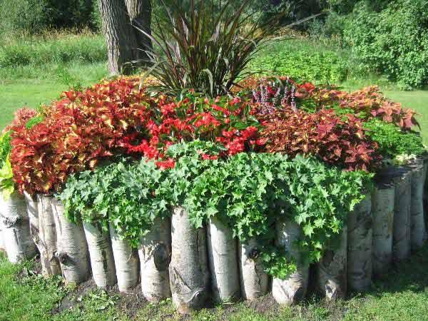 Wedo thiết kế tiểu cảnh sân vườn đơn giản và độc đáo với những khúc gỗ