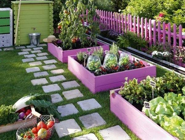 Wedo thiết kế tiểu cảnh sân vườn đơn giản và độc đáo với gỗ tái chế và gạch xi măng