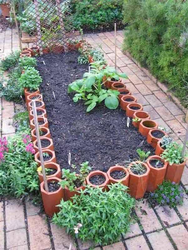 Wedo thiết kế tiểu cảnh sân vườn đơn giản và độc đáo với những chậu gốm đất nung