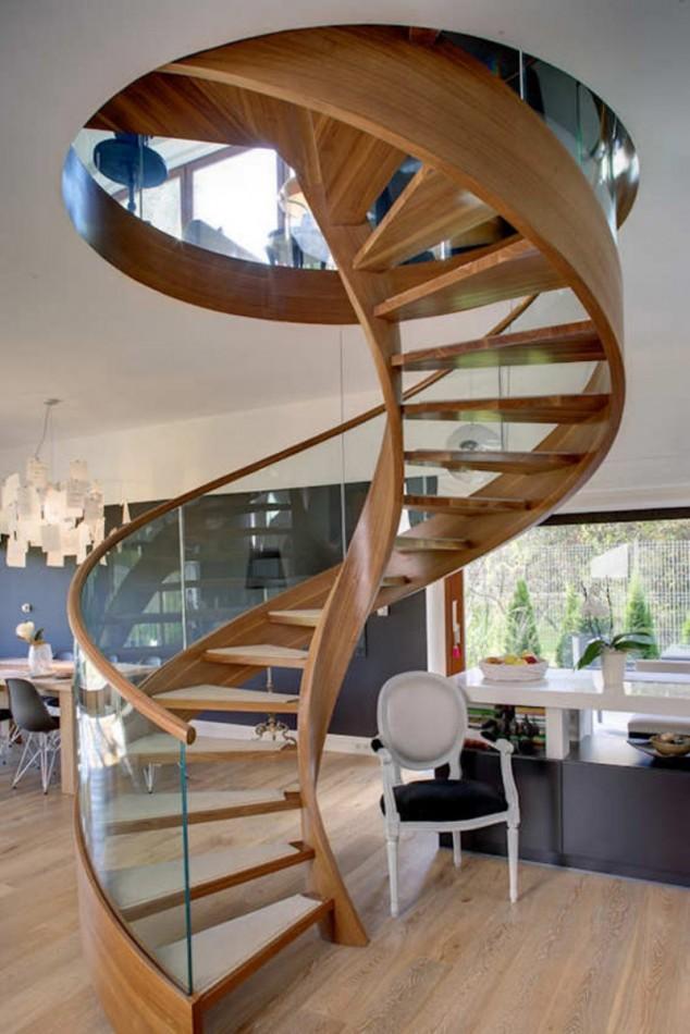 Wedo thiết kế cầu thang gỗ duyên dáng, hiện đại cho nhà sang trọng, thanh lịch hơn