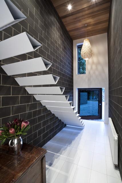 Wedo thiết kế cầu thang hiện đại sang trọng cho nhà thanh lịch hơn