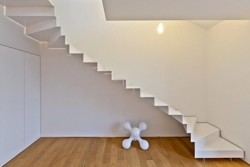 Wedo thiết kế cầu thang hiện đại cho nhà sang trọng, thanh lịch