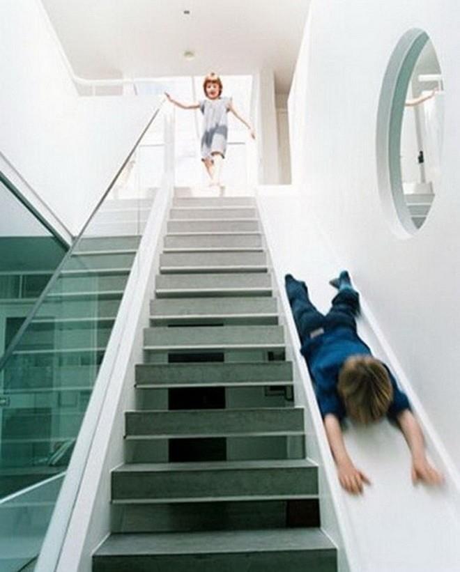 Wedo thiết kế cầu thang kính cho nhà hiện đại sang trọng và thanh lịch hơn