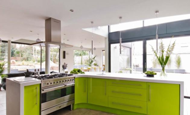 Wedo thiết kế nội thất đáng yêu và tươi mát cho nhà bếp với màu xanh lá cây và kính