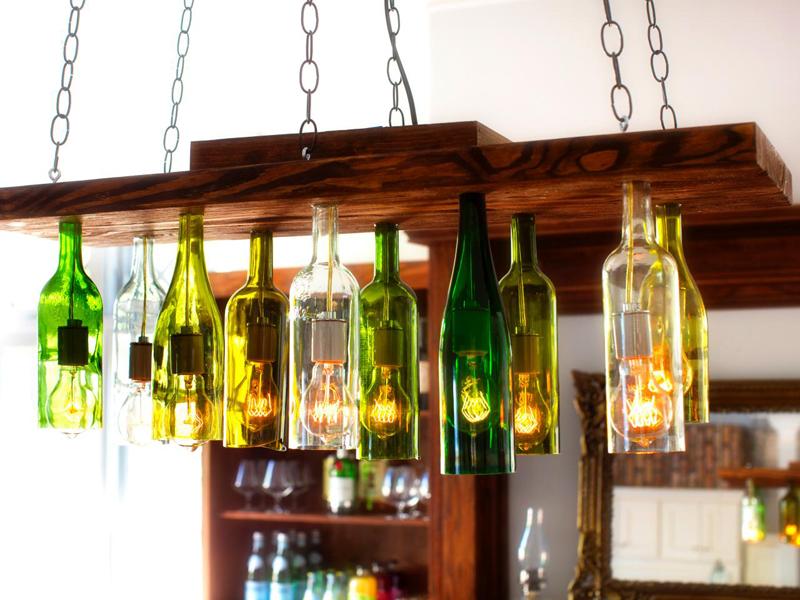 Wedo tư vấn trang trí nhà đẹp lung linh, độc đáo với vỏ chai rượu cũ
