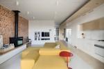 Wedo thiết kế nội thất với gạch trần đơn giản, hiện đại, hoàn hảo cho phòng khách