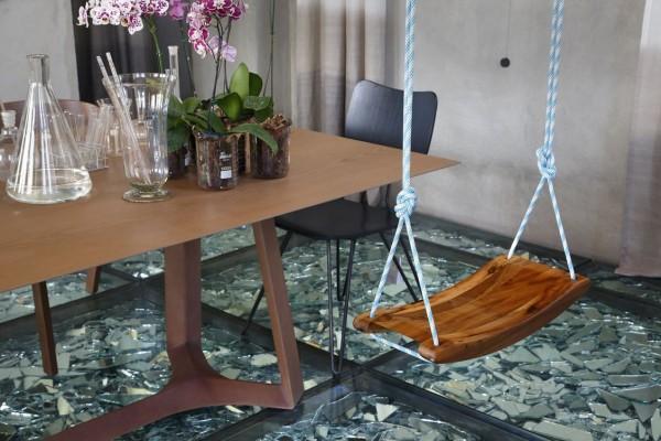 Wedo thiết kế nội thất nhà đẹp ang trọng, độc đáo với sàn ép kính vỡ