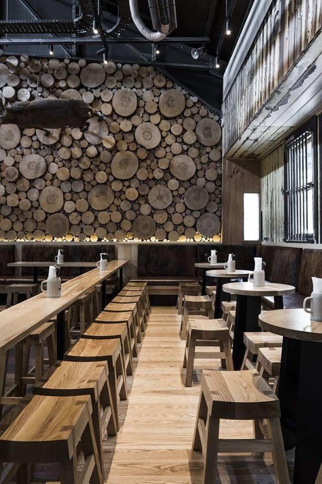 thiết kế nhà đẹp với tường gỗ độc đáo