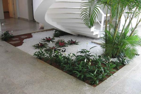 ý tưởng thiết kế sân vườn đá cuội đẹp