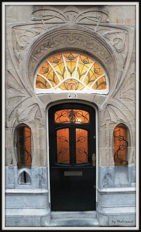 những mẫu thiết kế cổng và cửa ra vào cho nhà đẹp hoàn hảo